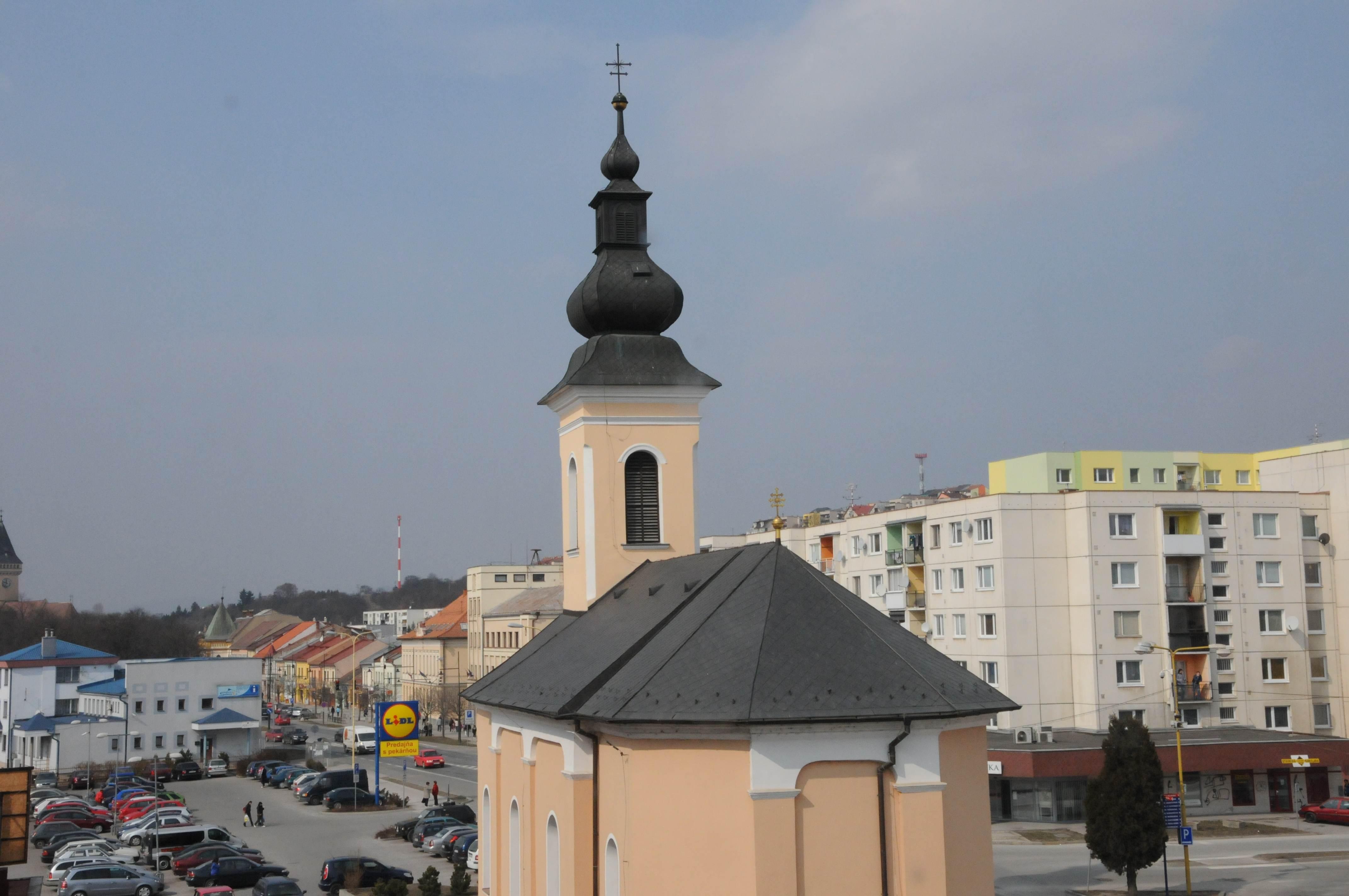 SABINOV – Kostol Najsvätejšieho Srdca Spasiteľa; Strecha a Fasáda